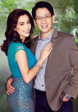 Cong. Ronam Romulo (R) with wife Shalani (L)