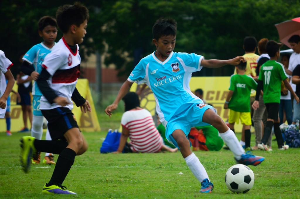 The kuyas rough it up a bit [Photo credit: Sigla FC]